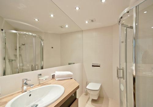 20多款浴室装修效果图,人们都说最爱第12款