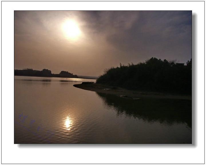 赤山岛位于沅江市城区西北,沅,澧二水注入洞庭湖汇合处,岛南部距市区