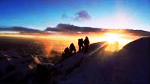 登山风景图无水印高清